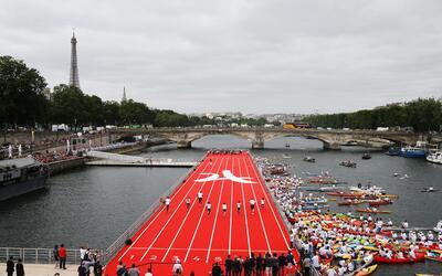 Pista de atletismo sobre el agua en Paris