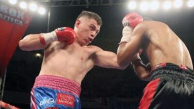 'Maromerito' ante un rival duro como Hernández (Foto: Zanfer)