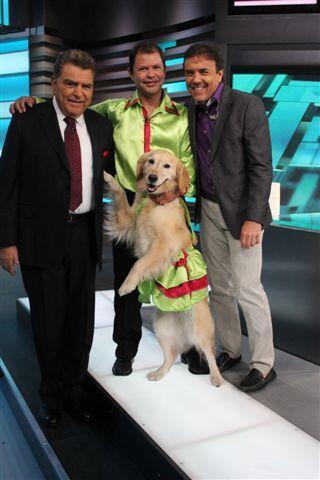 """Al show también llegan la bailarina """"Carrie"""" y su amo Jose Fuentes,"""