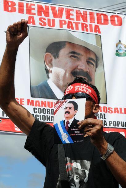 """El mandatario instó a Zelaya a retornar a Honduras porque """"aquí nadie lo..."""