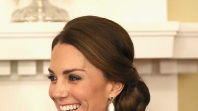 Kate Middleton (al igual que Hillary Clinton) también celebró el poder del rojo en Canadá