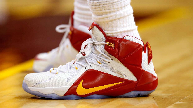 La NBA indicó que llegó a un acuerdo por ocho temporadas con Nike, que s...