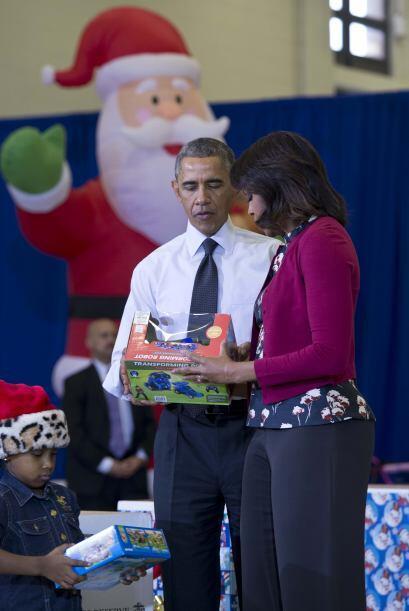 Muy puntuales los Obama llegaron este miércoles a la Base Conjunt...