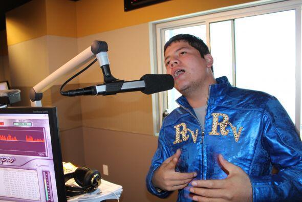 Remmy Valenzuela cantó un pedacito de su nuevo corte promocional: Te Toc...