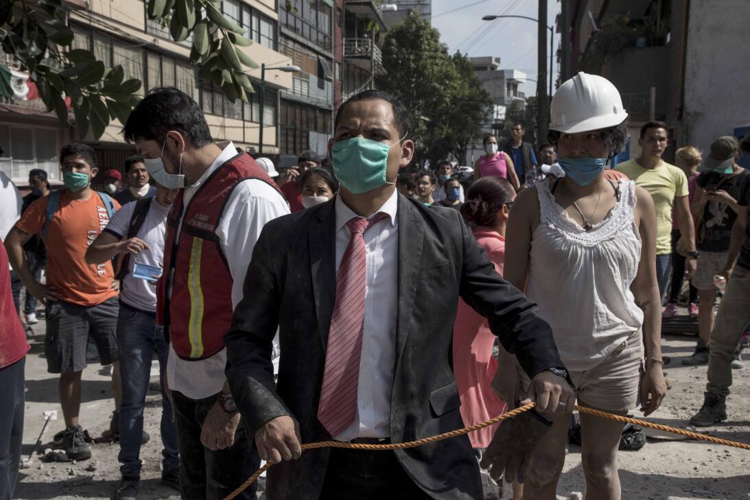 Terremoto México Civiles traje