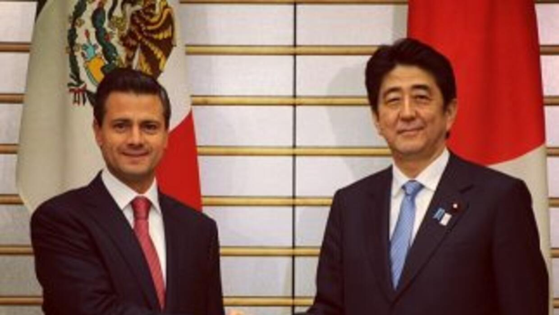 El presidente de México, Enrique Peña Nieto y el primer ministro de Japó...