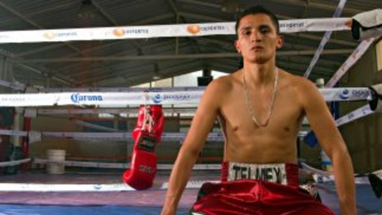 Daniel Estrada buscará vencer a Kevin Mitchell en Inglaterra.