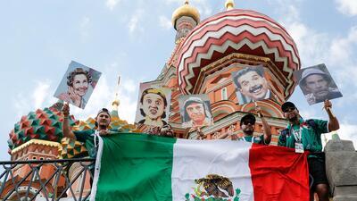 En pesero o a 'patín', los mexicanos toman Rusia en el Mundial