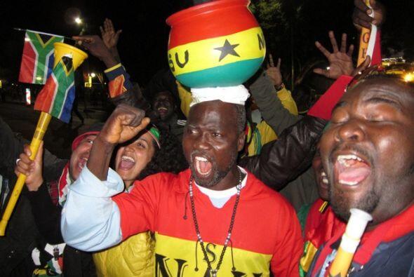 Los sudafricanos están apelando a todas sus tradiciones para apoyar a su...