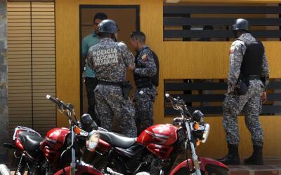 Los agentes arrestados pertenecen a la policía estadal de Venezuela.