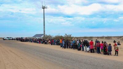 Más de 750 indocumentados ingresaron masivamente a Estados Unidos en menos de una semana