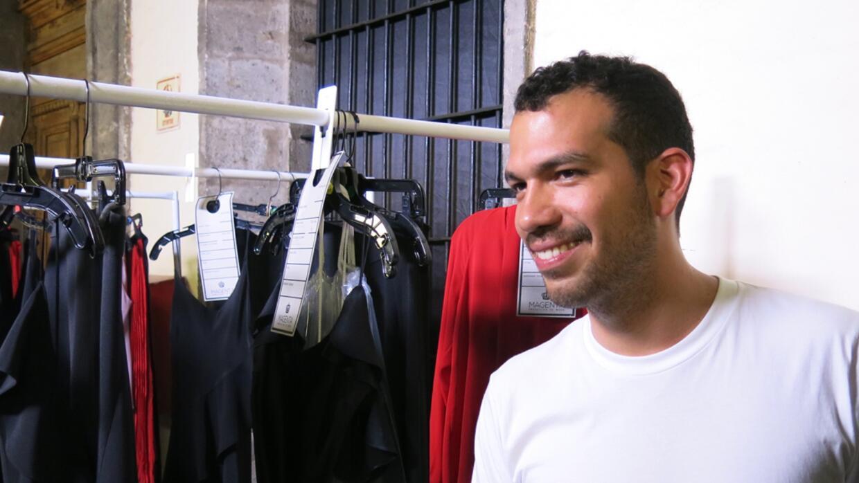 El diseñador Francisco Cancino antes de presentar la colección de Yakampot.