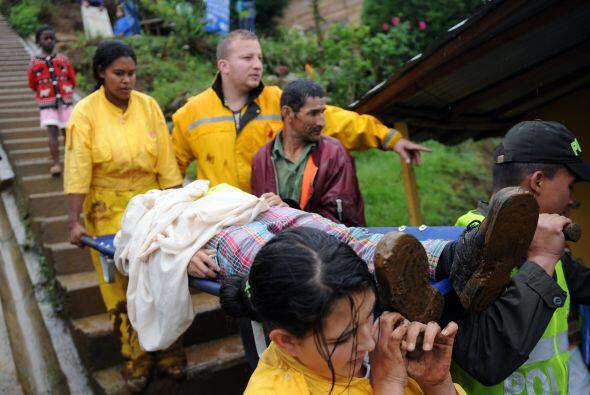 Al menos cuatro personas fallecieron y ocho casas quedaron totalmente de...