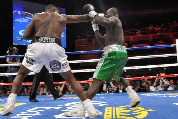 Luis Ortiz pegó con contundencia ante un rival que se veía desordenado y...