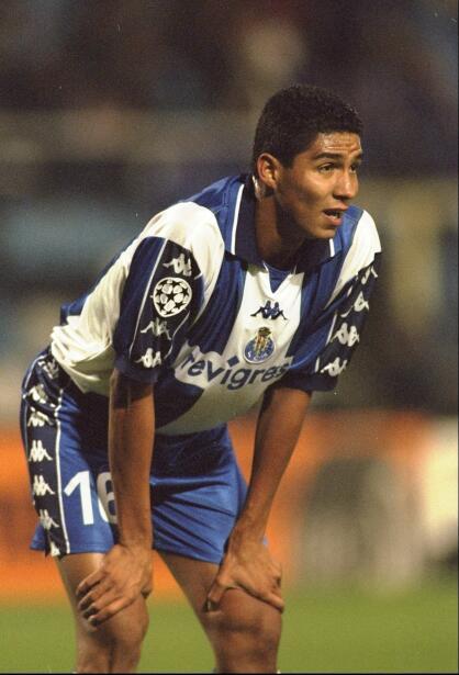 'Loco' Abreu vestirá en Uruguay su camisa 25 GettyImages-1555416.jpg