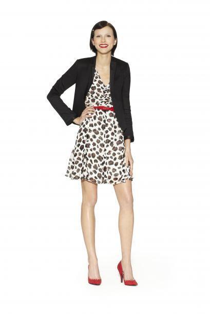 17. Vestido estampado de leopardo con cinturón $49.99Chaqueta negra de s...