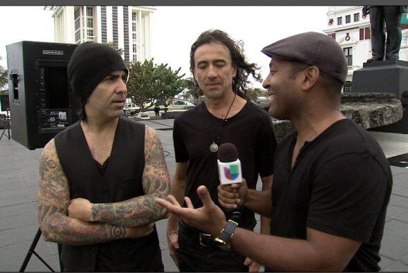 Tony entrevistando a Sergio.