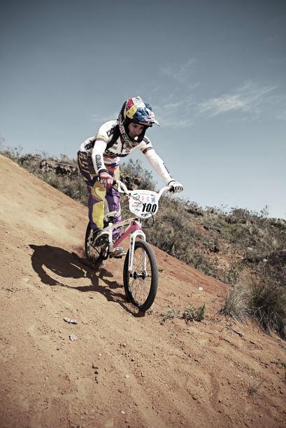 El 10 de agosto de 2012, Mariana obtuvo medalla de oro en la final de BM...