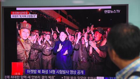 El líder norcoreano, Kim Jong Un, celebraba en una transmisi&oacu...