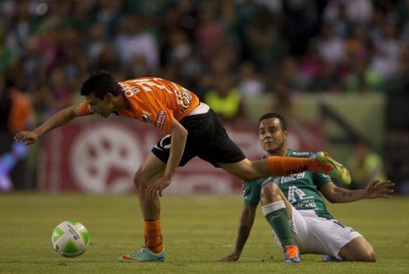 Luis Montes (6): Con poca precisión en sus pases, 'El Chapito' no...