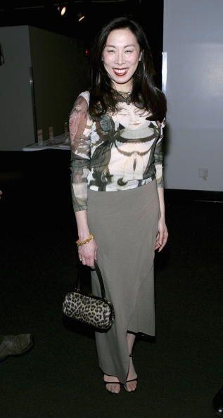 ¡Esta moda de usar bolsos salvajes ha llegado a todas partes del mundo!...