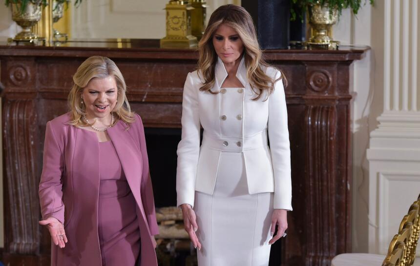 Estos son los 15 vestidos que lució Melania Trump durante los 50 primero...