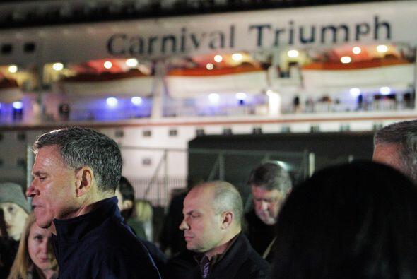 El CEO de Carnival, Gerry Cahill, ofreció una conferencia de prensa tras...
