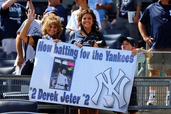 Los fans también mostraron su cariño hacia Derek Jeter.