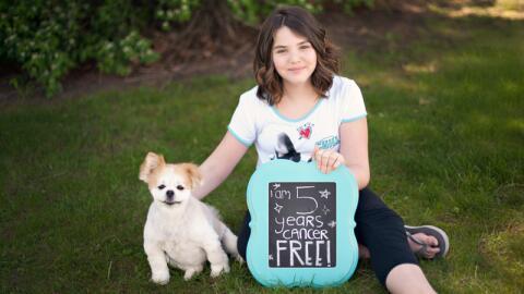Emily Whitehead, una niña de 12 años, la primera en la his...