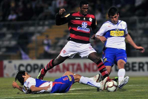 En tanto en Chile, el Flamengo no pudo con la Católica y sucumbió ante e...