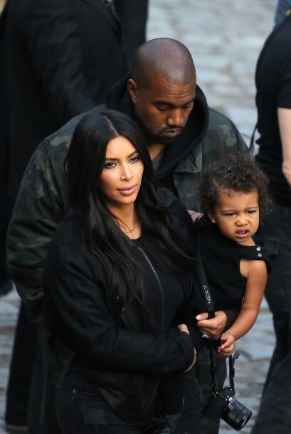 Kanye también fue, pero no se veía tan entusiasmado como e...