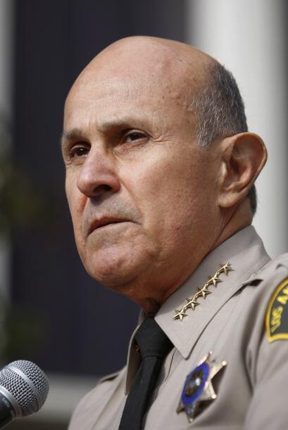 El Sheriff Baca anunció su sorpresiva renuncia esta mañana...