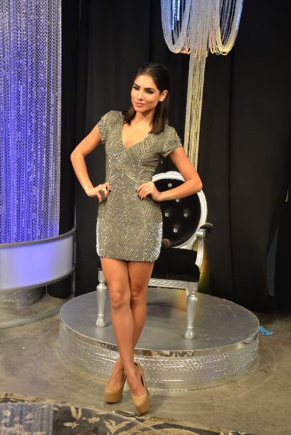 En la zona de backstage estuvo Alejandra Espinoza, como siempre, muy ele...
