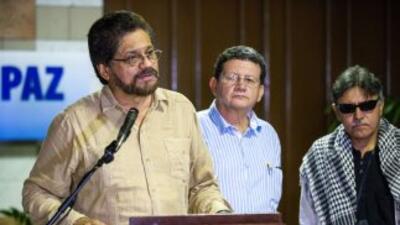 Los comandantes de las FARC Ivnán Márquez, Pablo Catatumbo y Jesús Santr...