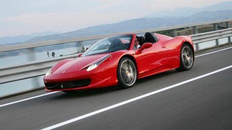 Ferrari 458 Spider similar al vehículo objeto de esta historia.