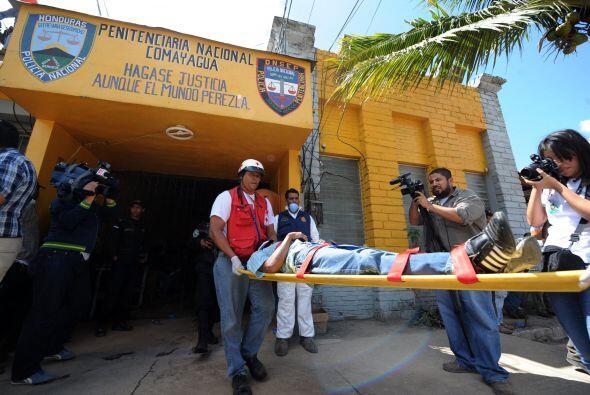 Febrero 14- Al menos 359 presos mueren en el incendio de la Granja Penal...