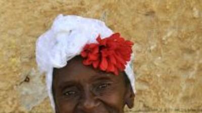 Cresencia, una mujer negra delgada que dice haberse inspirado en la lege...