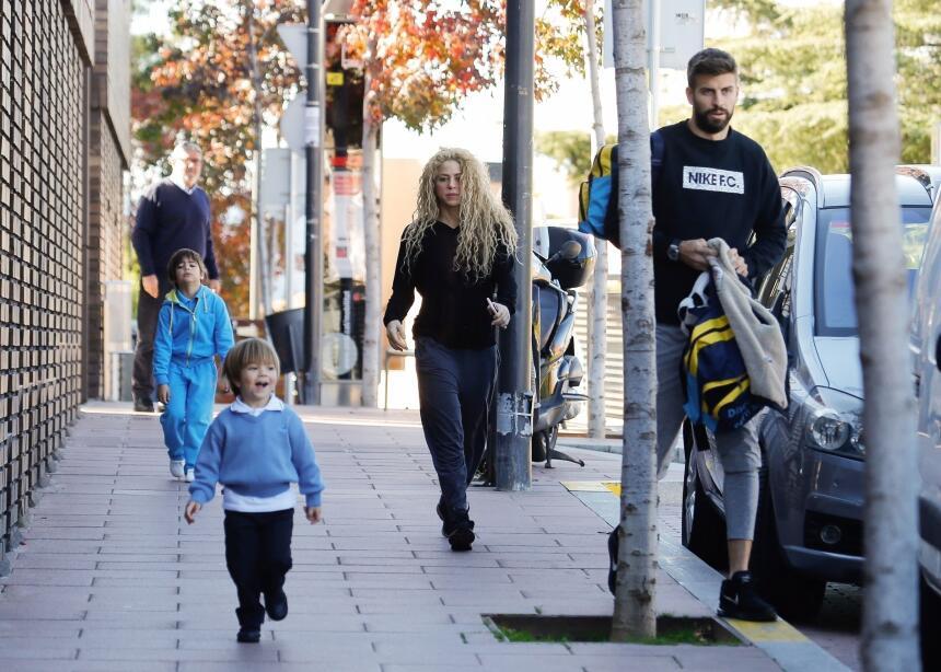 La familia acudió este lunes al club Bonasport, en Barcelona, donde comi...
