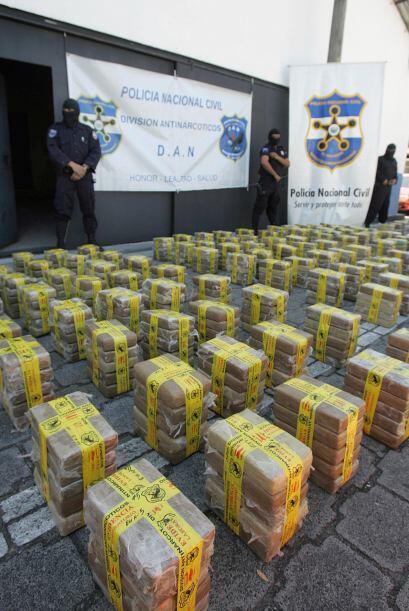 Se estima que por México transita el 90% de la cocaína con...
