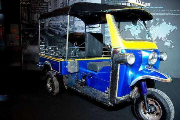 Taxi Tuk Tuk TT 350 SD 1989 Los taxis en el archipiélago filipino tienen...