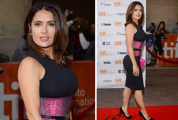 La actriz de 48 años de edad derrochó sensualidad gracias a dos atuendos...
