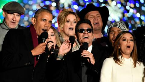 En el orden acostumbrado, James Taylor, el presidente Barack Obama, Kell...