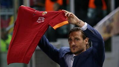 El Real Madrid le echa a perder homenaje a Francesco Totti en el Olímpico de Roma
