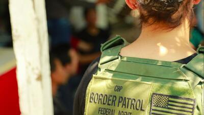 Hallan a 159 indocumentados ocultos en cuatro casas usadas por traficantes de personas