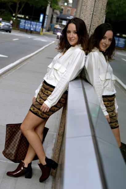 Esta falda la compró hace tiempo y Ari asegura que armar outfits...