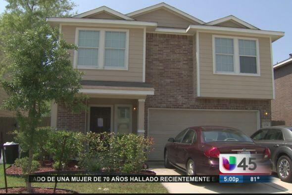En este calmado vecindario del oeste de Houston, autoridades descubriero...