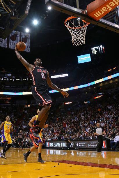LeBron James es el número de 1 de la lista de los deportistas más comple...