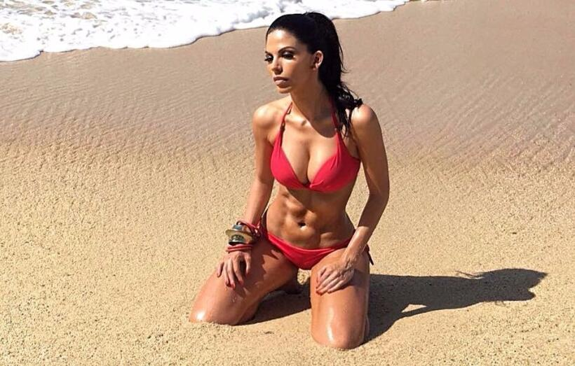 África Zavala posa en bikini y enloquece a sus fans en redes soci...