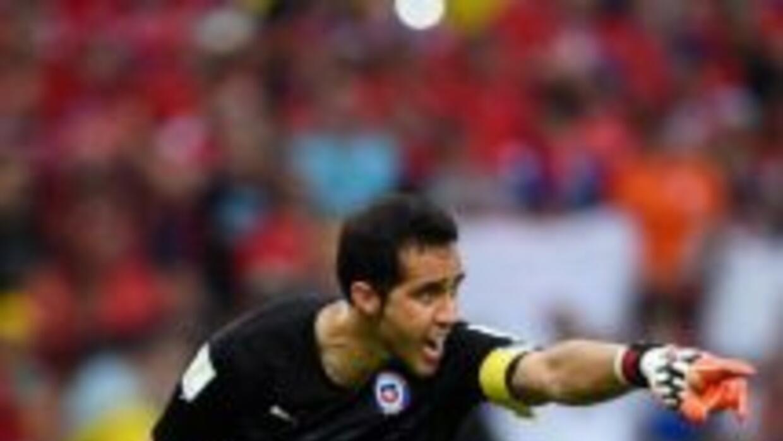 Claudio Bravo será jugador del Barcelona por 4 años.