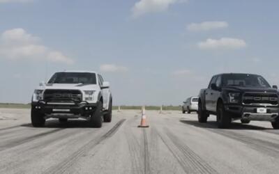 En Video: Pelean los depredadores: Hennessey VelociRaptor vs Ford Raptor